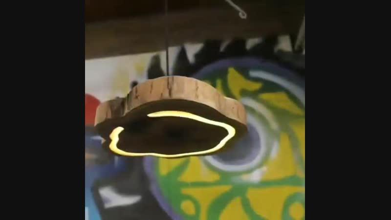 Оригинальная лампа из спила дерева