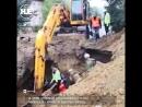 В Улан-Удэ рабочего засыпало песком на глубине 2,5 метров. Он выжил