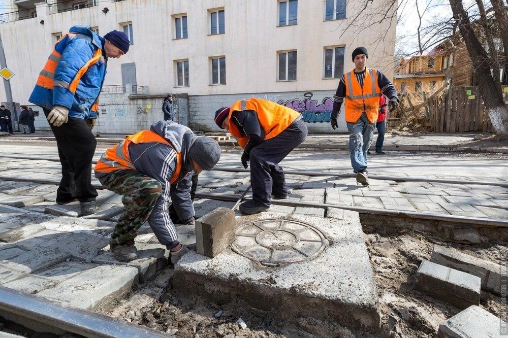 Провал на улице Розы Люксембург в Томске ликвидировали