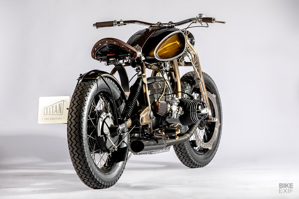 Titan Motorcycles: кафе боббер BMW R75/6 Arkitekt