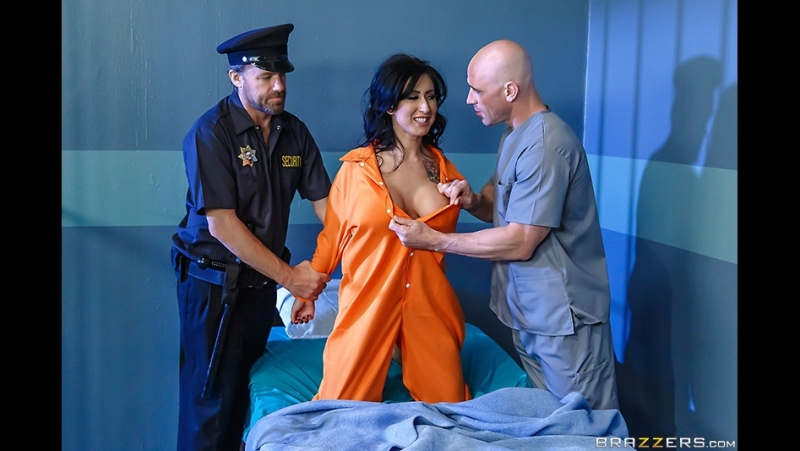 Brazzers – Dirty Masseur – Jailhouse Fuck Four