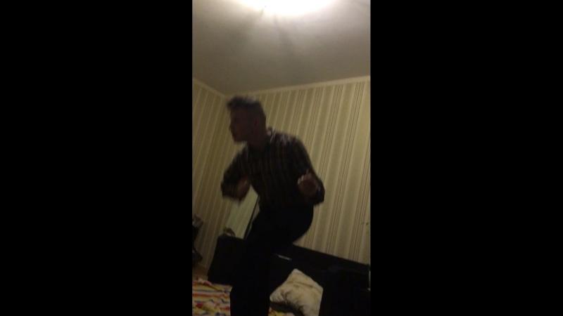 Рикардо Милос долбанулся и танцует под дельфина