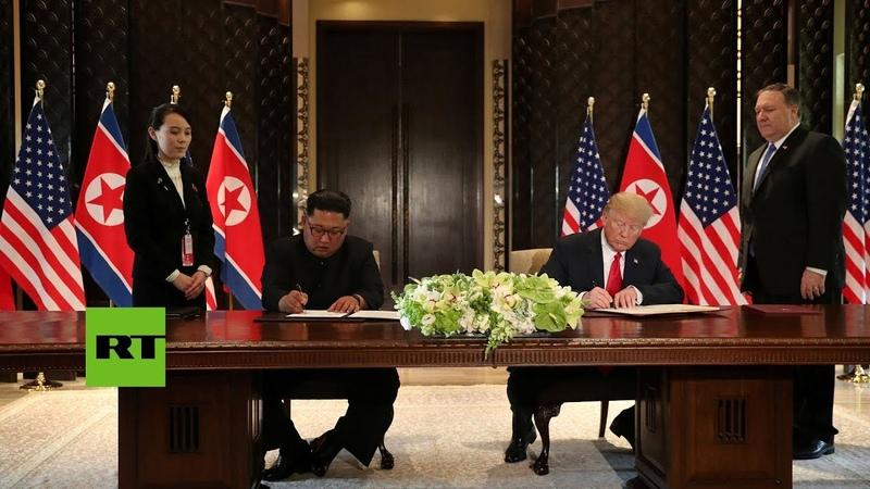 Donald Trump y Kim Jong-un firman un documento tras su histórica cumbre en Singapur