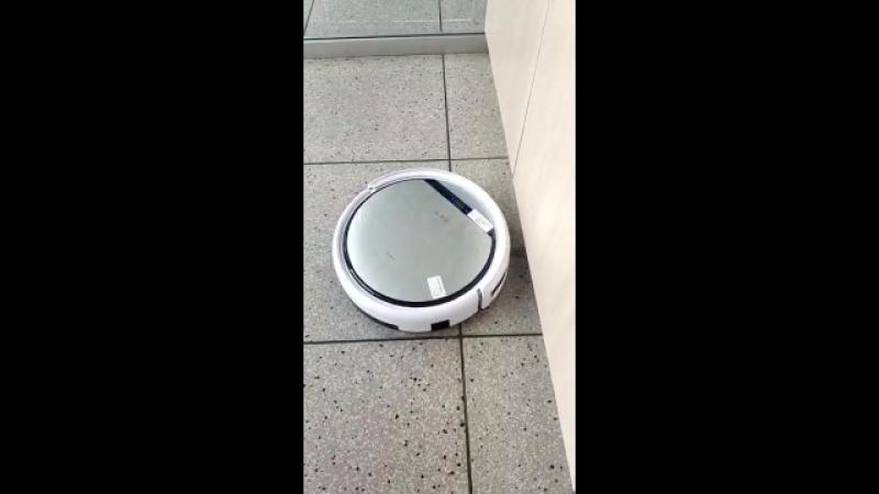 ILife робот пылесос