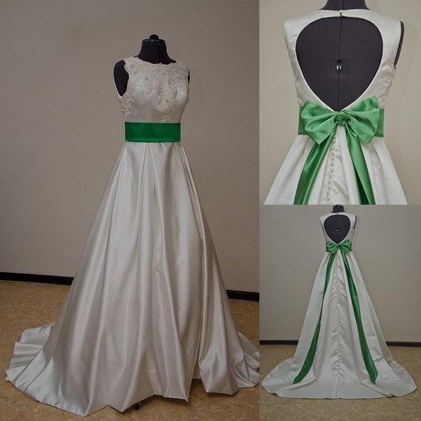 Зеленый пояс на свадебном платье