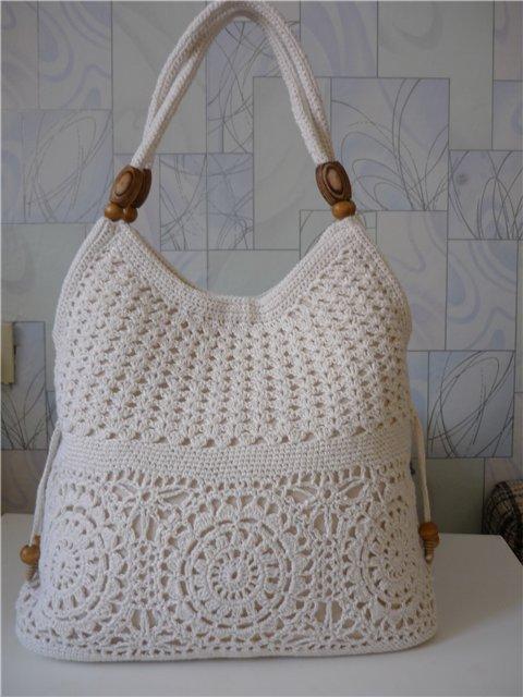 Ажурная вязаная сумка
