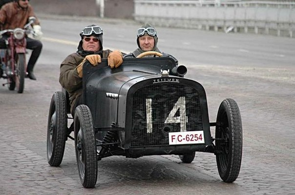 Парад старинных автомобилей в Оулу