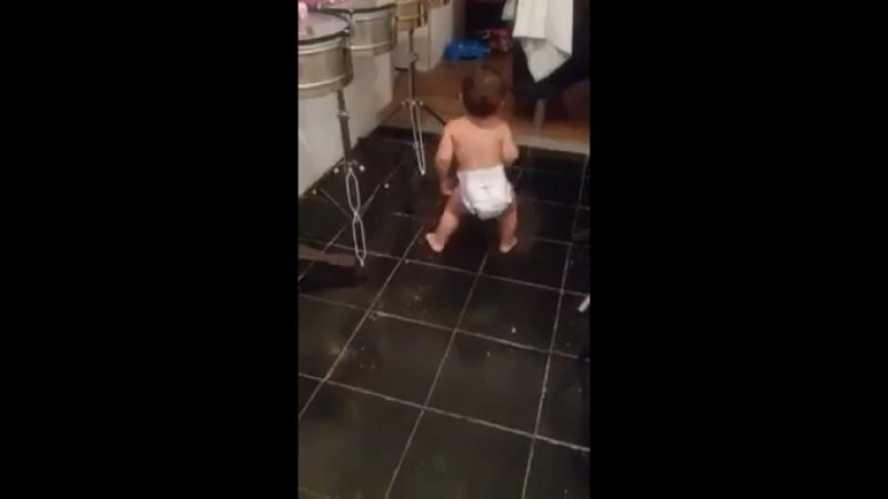 Видео отличный танцор