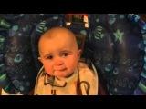Ребенок плачет от песни мамы...