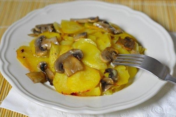Картошка с грибами в сливках.