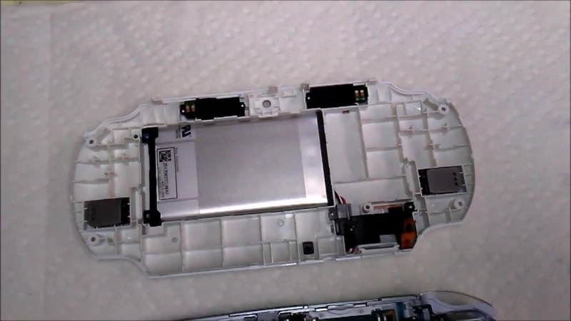 [Наша жизнь на Аляске США] SONY PlayStation Vita модификация замена аккумулятора на 4000mAh просто супер