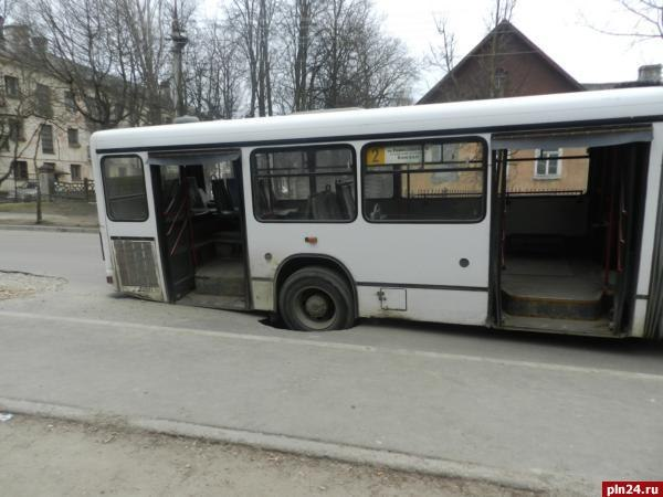 есть автобус с пскова до красноярска