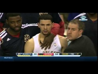 Nick Collison and Austin Rivers scuffle