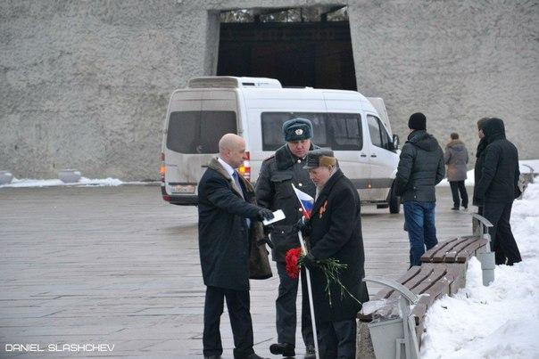 Ветерана выгнали с Мамаева кургана из-за Путина?