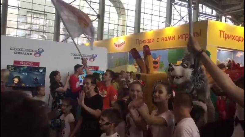 Парад на фестивале Мультимир вместе с любимыми мультгероями!