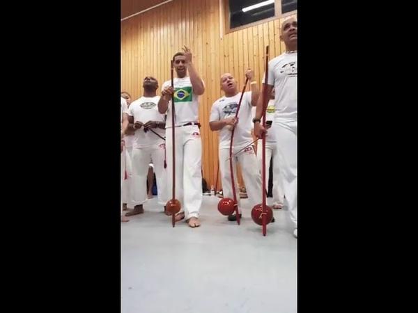 Abadá-capoeira-mestrando pretinho-e Lala e la e la Lala e la e la Lelê