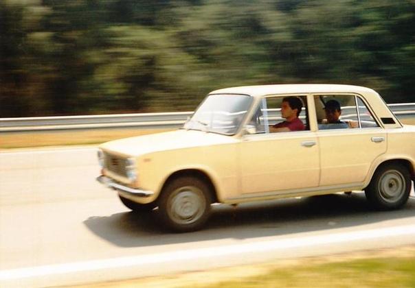 Айртон Сенна за рулём ВАЗ21011 (или 21013), Венгрия, 1986 год.