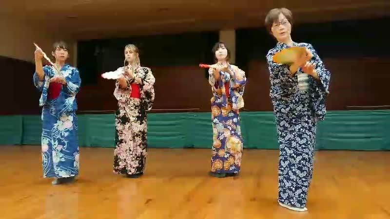 日本舞踊研究の部活 (Клуб исследования японского традиционного танца) /Репетиция/