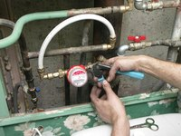 Счетчики воды должны быть установлены в каждой квартире: водосчетчики позволяют экономить деньги благодаря точному...