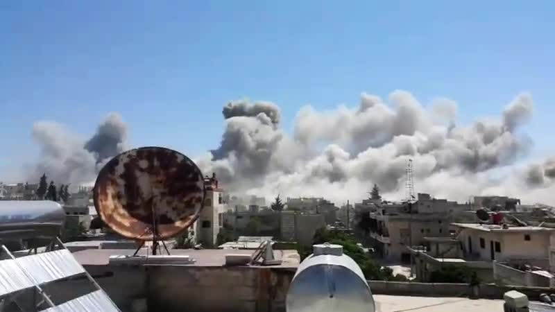 غارة جوية بستة صواريخ دفعة واحد من الطيران الحربي استهدفت وسط مدينة كفرنبل الان Idlib