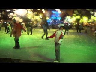 Катя на катке в Парке Горького  в  Москве