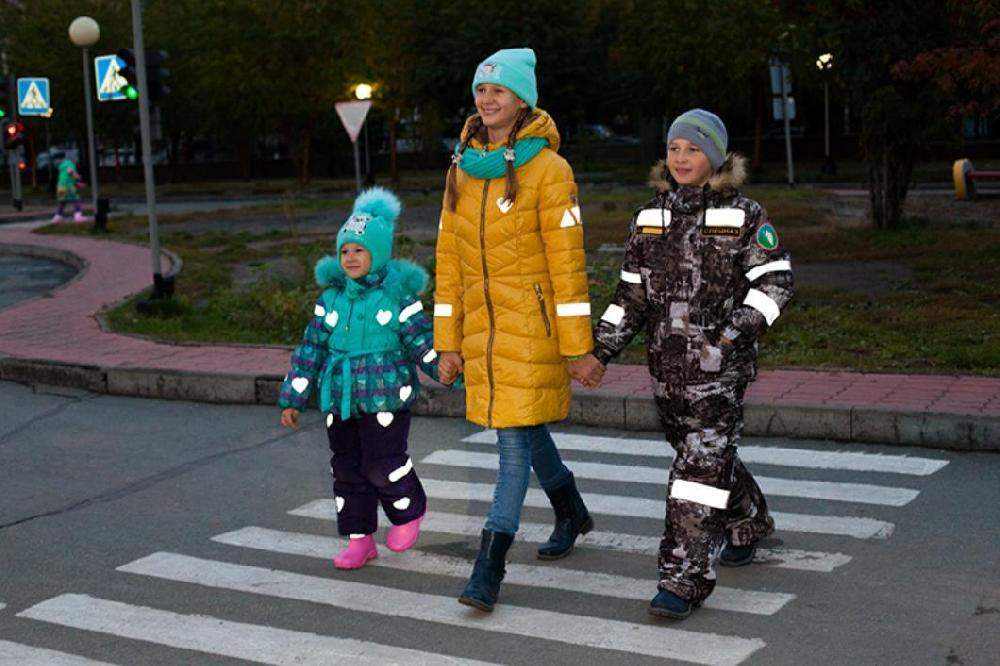ГАИ напоминает: каникулы закончились, дети пошли в школу. Проявляйте повышенное внимание на дороге!