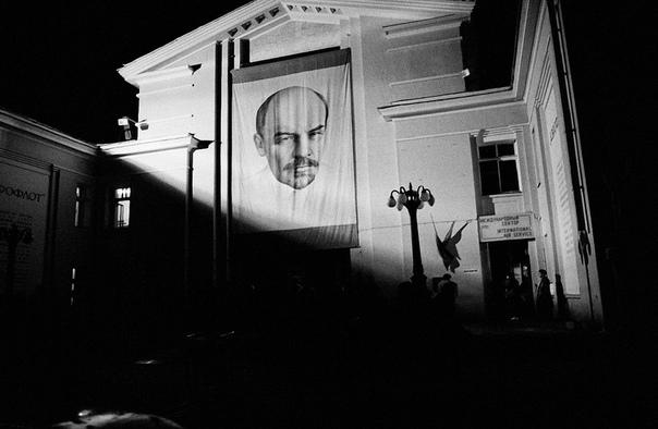 Фотографии московского метро 1988-1989 годов.
