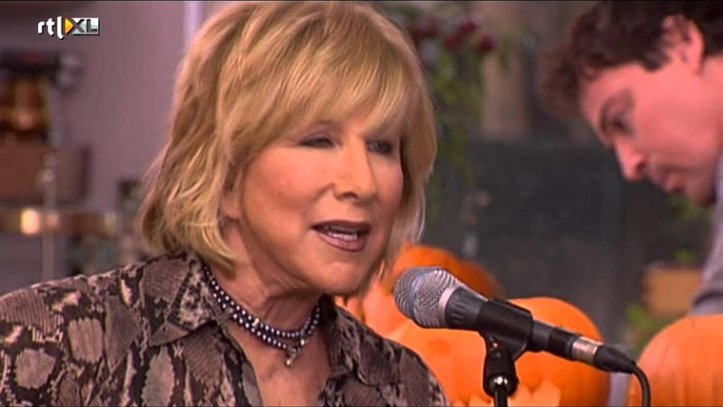 Lori Lieberman (october 2011) - Killing Me Softly with His Song