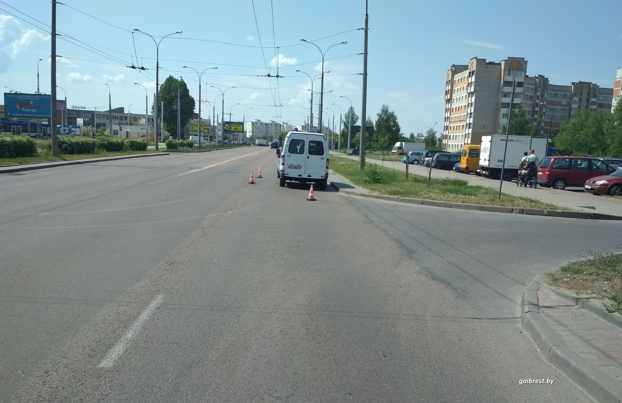 ГАИ ищет очевидцев ДТП с участием мотоциклиста на Суворова