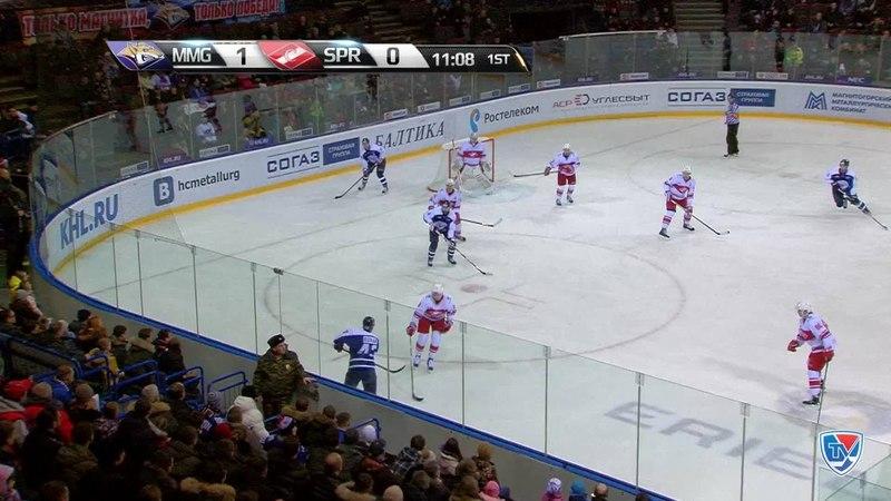 Моменты из матчей КХЛ сезона 14 15 Гол 2 0 Бросок Даниса Зарипова Металлург Мг с острейшего угла получился невероятно точн
