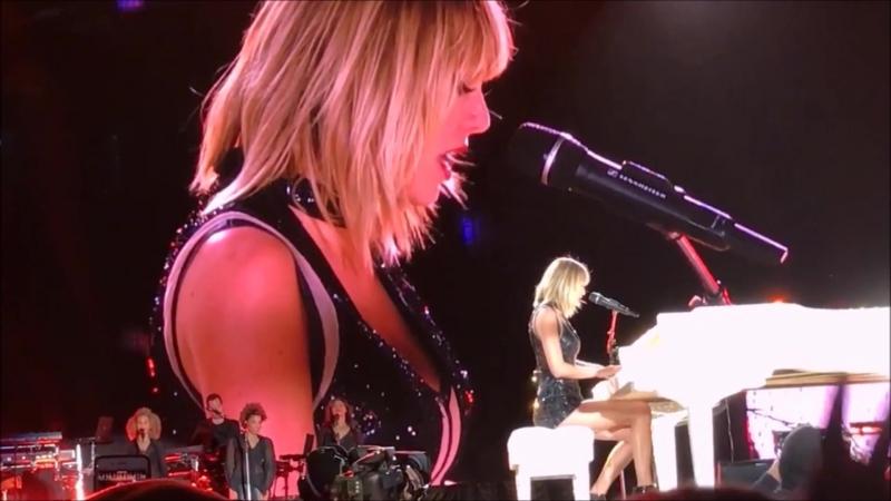 Taylor Swift - Sparks Fly (Live at Formula 1, Austin 2016)