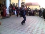 Коп с Ингушетии,танцует на свадьбе в Тереке.