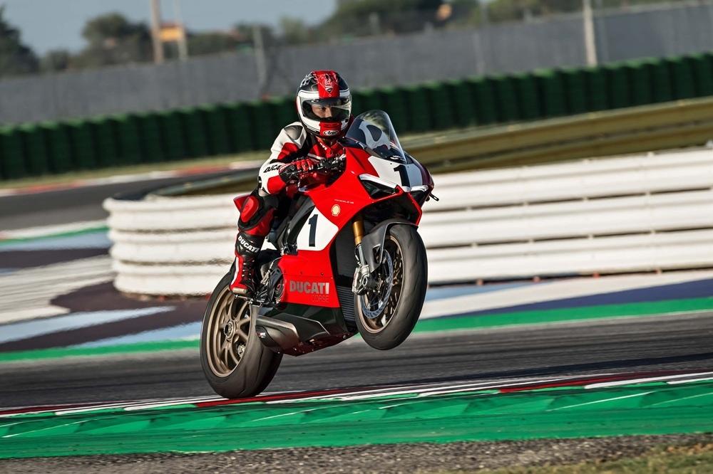 Супербайк Ducati Panigale V4 25° Anniversario 916