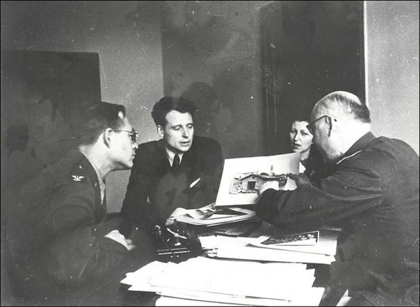 Фотографии с Нюрнбергского процесса. Нюрнбергский процесс - судебный процесс над группой главных нацистских военных преступников. Нередко его называют Судом истории. Проходил в Нюрнберге