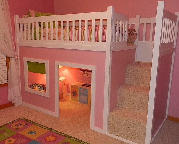 Как здорово, когда у детей есть свой домик… (1 фото)