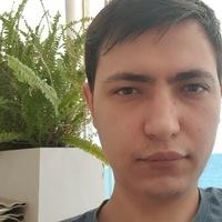 Максим Савельев