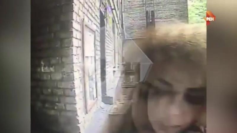 Видео: в Москве мужчины пытались изнасиловать транссексуала.