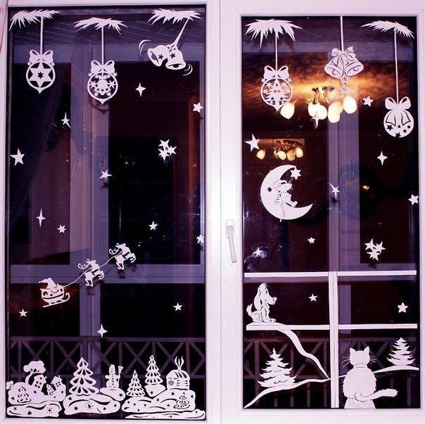 Украшения на окна из бумаги.  Новогодние трафареты.  Близится Новый год, все ищут новые идеи украшений для дома.