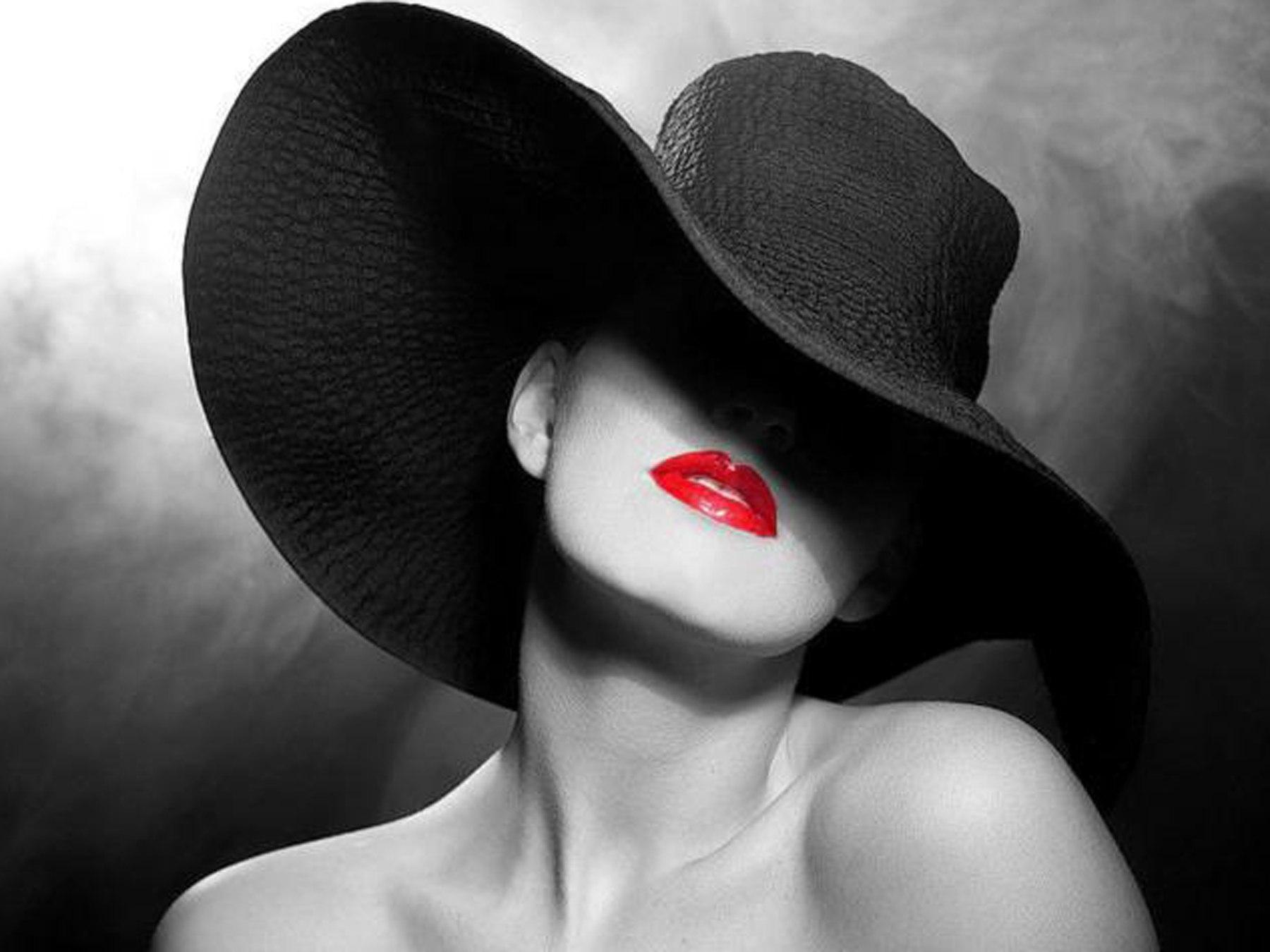 Красивые черно белые фото девушек в шляпе