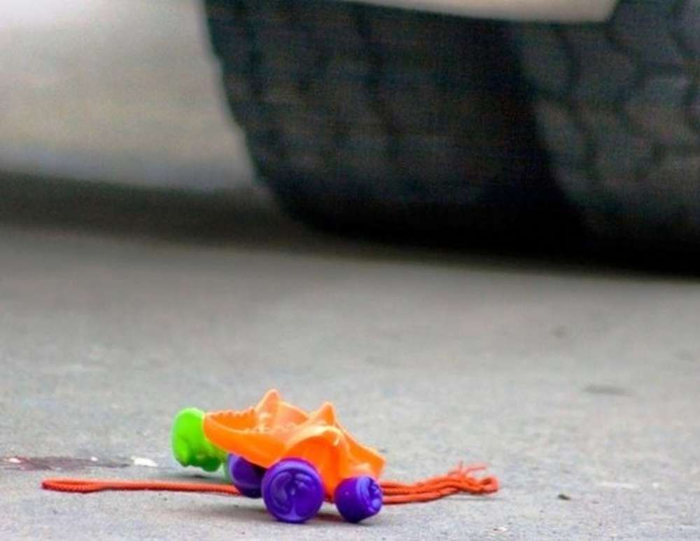 В Сторожевой девочка попала под колеса автомобиля