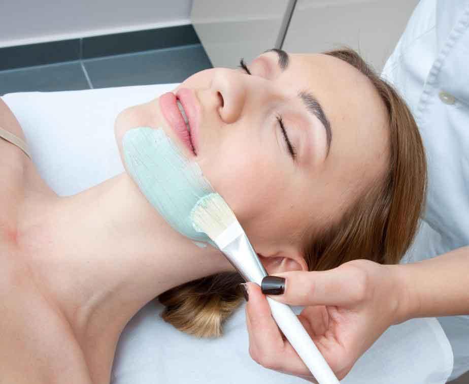Специалисты по уходу за кожей будут иметь представление о лучшей маске для лица для любого типа кожи.