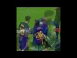 Idiota do Messi ensinando como agir naturalmente quando uma mina chegar em você