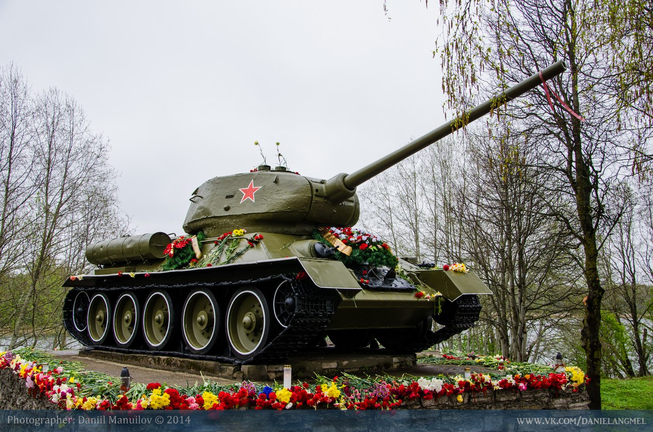 Т-34: танк и танкисты