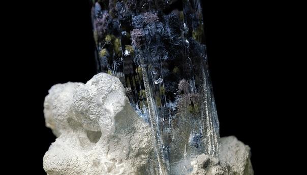 Тонкости образования минеральных отложений в кристаллах.