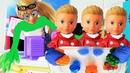 ПОПРОБУЙ НЕ СКАЗАТЬ вау! Валера в школе режет антистрессы. Куклы школа мультики Барби