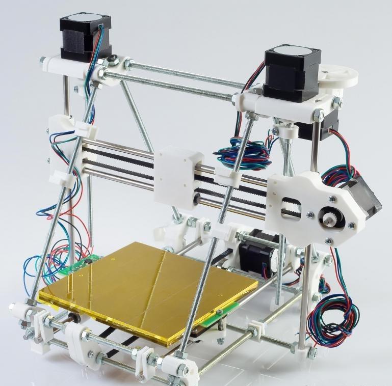 Виртуальное производство часто полагается на трехмерные принтеры, чтобы превращать проекты в готовые изделия или модели.