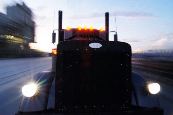 Красивый грузовик США