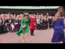 Принцесса Беатрис и герцогиня Йоркская прибывают в часовню 12 10 2018