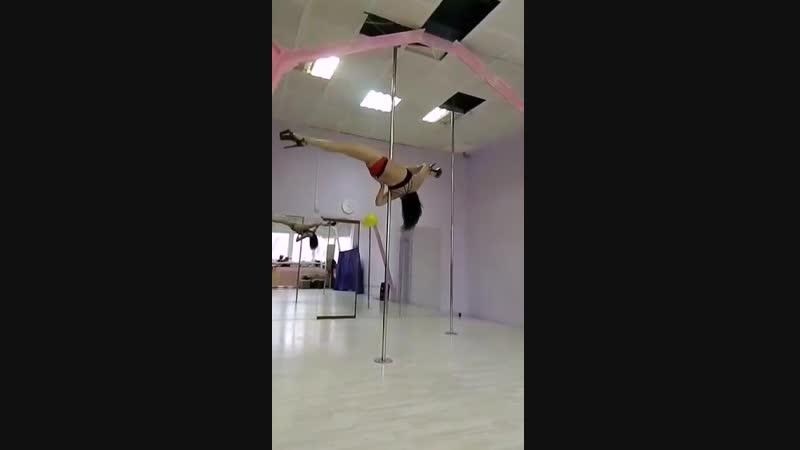 Pole dance studio assol