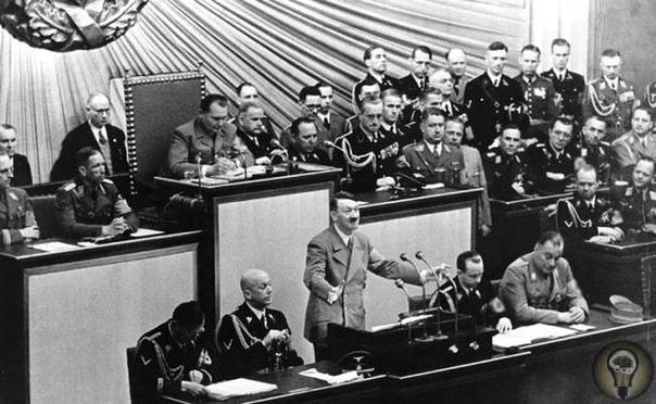11 ДЕКАБРЯ 1941 ГОДА В СВОЕЙ РЕЧИ В РЕЙХСТАГЕ ГИТЛЕР ОБЪЯВИЛ ВОЙНУ США - ИСХОД ВТОРОЙ МИРОВОЙ ВОЙНЫ БЫЛ ПРЕДРЕШЁН Это была самая большая ошибка Гитлера. США - страна с недостижимым для Германии